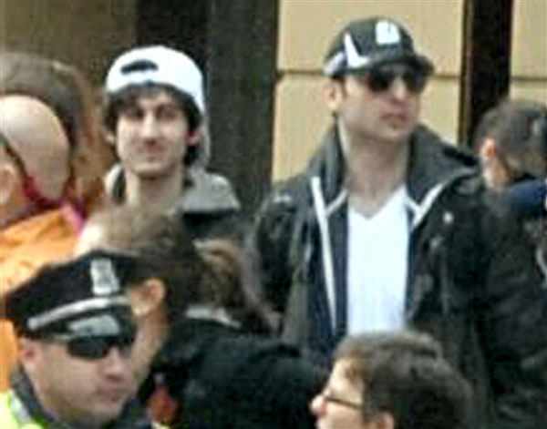 http://www.forbes.ru/sites/default/files/users/user12848/in_130418-new-fbi-photo-boston-suspects-3p-1.photoblog600.jpg